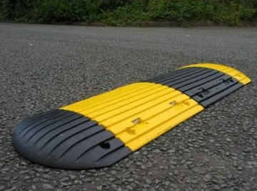 Road Speed Bumper (1meter)